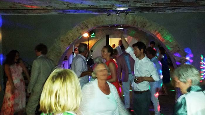 Wedding at Locanda in Tuscany wedding party live music and Dj set indoors