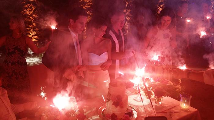 Castello di Velona wedding in Montalcino Tuscany, cake cutting