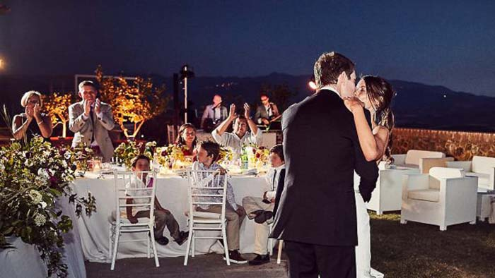 Castello di Velona wedding in Montalcino Tuscany wedding first dance