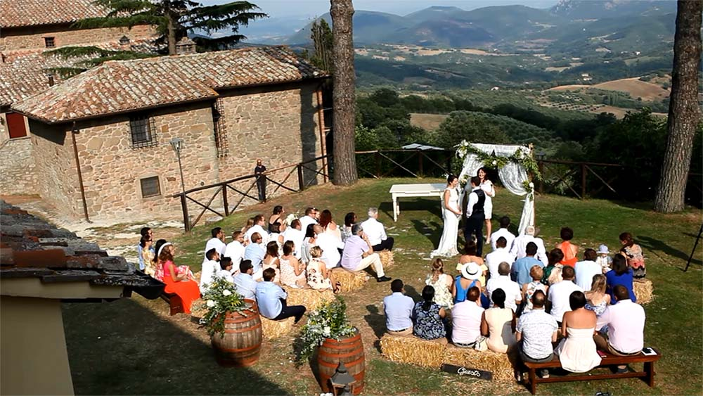 Tenuta di Casa Bruciata wedding music Umbria