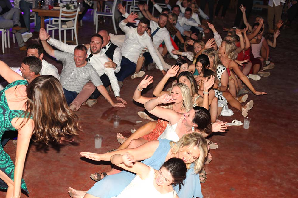 Borgo di Tragliata wedding band - People having fun during our gig!