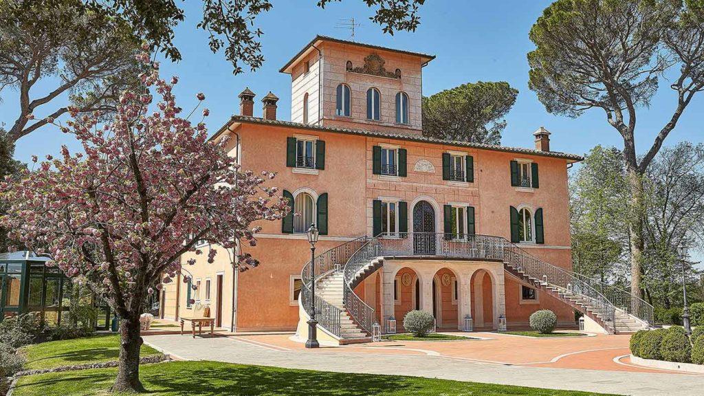 Villa Valentini Bonaparte wedding band: The beautiful venue where Guty & Simone play very gladly.