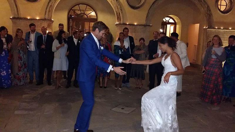Matrimonio Nella Toscana : Matrimonio borgo pignano musica dal vivo e dj set a